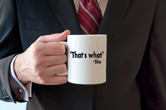 Tasse à café drôle entre guillemets c'est ce par WitticismsRus