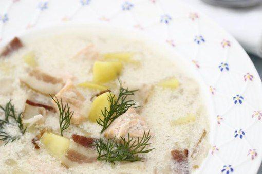 Картофельный суп с лососем и беконом