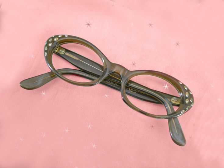 Funky vintage rhinestone glasses eyeglass case 60s mod