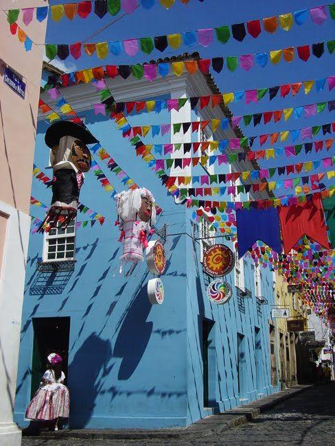 Salvador, Bahia, Brasil - maravilhosa maneira de botar uma clima de festa na cidade toda
