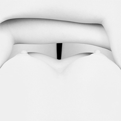 Fascinating body studies from Eric Marrian's Carr¨ Blanc series