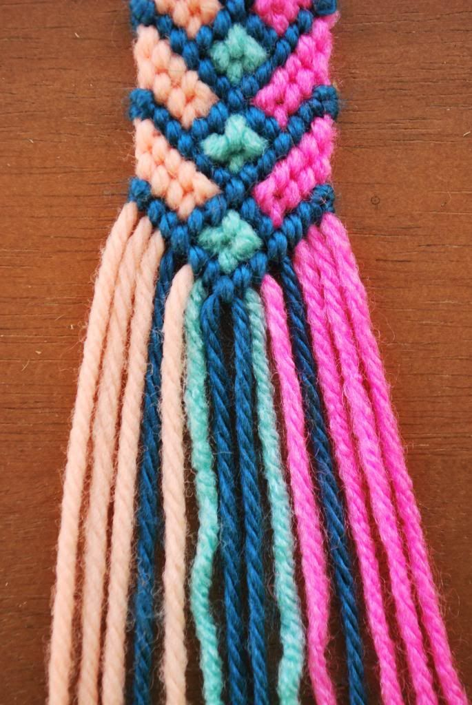 Woven friendship bracelet. So cute! I should start one to work on at the beach this summer.