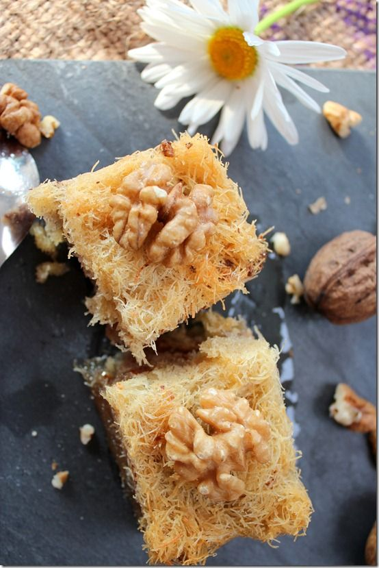doigts de la mariée el ktaif - algerian pastry made from ktaif threads, honey and nuts.