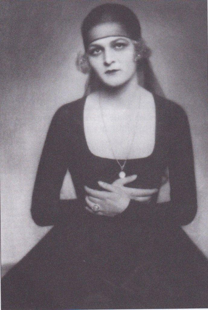 Anita Berber, 1922: Madame DOra - Germany. Weimar cabaret