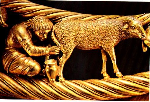 Detail of Scythian Gold Torque, halfway up the side from the center 2 shepherds, as point of reference.