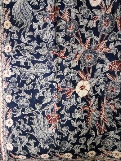 Batik 3 negri tjoa indigo red and white  3 color wih white flower on edge of cloth,quite rare piece 1950-1960.