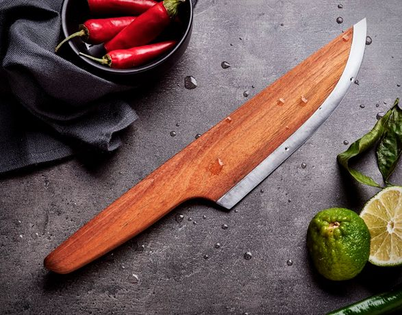 SKID is a new approach to one of the most important kitchen items: the knife. The innovative idea was to build it using a renewable and sustainable material as a base, in this case wood was the material of choice, the challenge came afterwards, to se