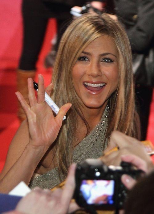 Yeah Jennifer Aniston    great makeup