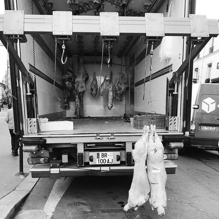 Hard life again.         #Paris #igersparis #paname #street #streetphotography #streetphoto #photography #bw #noiretblanc #blackandwhite #noir #bw_streetphotography #iphone7 #streetphoto #bnw #alwaysparis #bw_crew  #bnw_captures #bnw_society #streetphotography_bw #monotone #monochrome #instadaily #instablackandwhite #insta_street #insta_bw #bw_photooftheday #cochon # #death #bye
