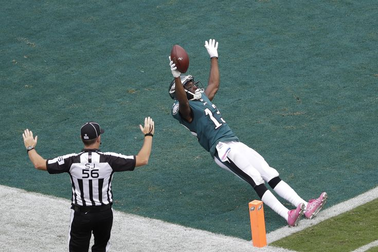It's not easy being FLY! Just ask Philadelphia Eagles WR Nelson Agholor, who soared into the endzone for a Week 5 TD (AP/Perez). #flyeaglesfly