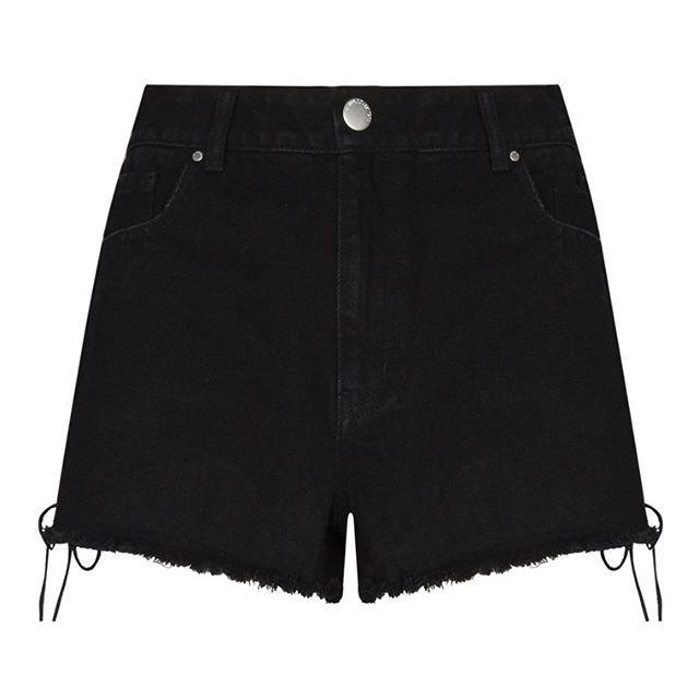 Pantalones cortos de mezclilla negros con cordones  Categoría:#faldas #primark_mujer #ropa_de_mujer en #PRIMARK #PRIMANIA #primarkespaña  Más detalles en: http://ift.tt/2ry8khG