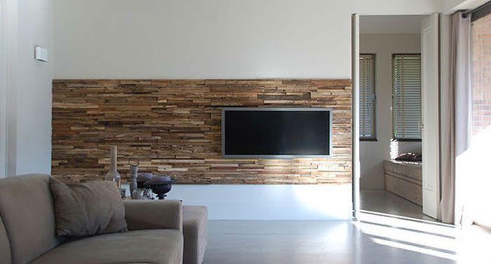 Wij bieden veel houten wandbekleding en zijn o.a. dealer van Wonderwall. In onze studio hebben wij hier prachtige voorbeelden van. 0492-335155.