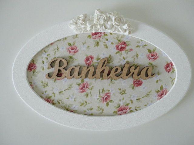 Placa para banheiro, com fundo em tecido e palavra em mdf, pode ser feito na cor desejada ou com palavra lavabo.