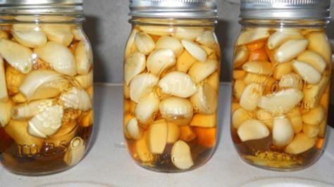 Přírodní lék na mnoho problémů – jablečný ocet, česnek a med!