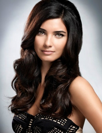 Turkish Actress - Tuba Büyüküstün