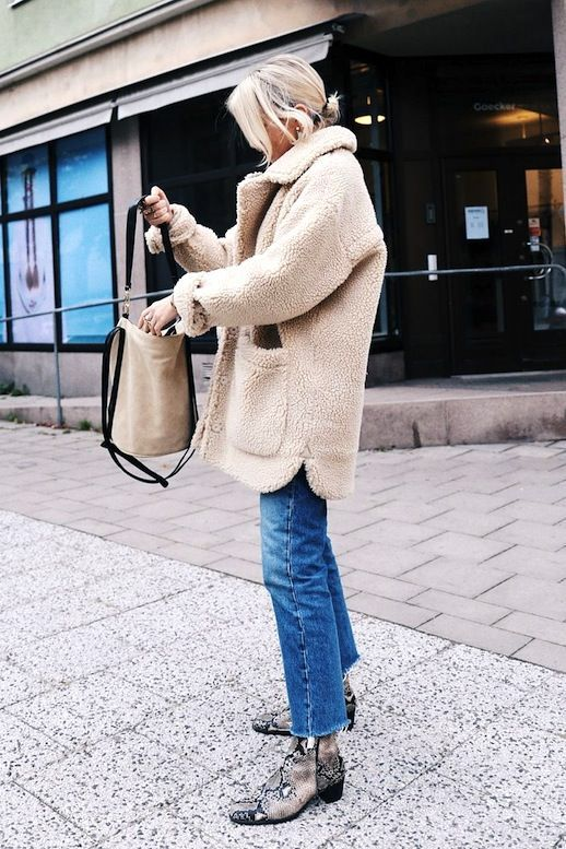 Get This Swedish Blogger's Cool Sherpa Coat Outfit