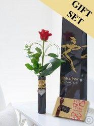Single Kiss Rose Vase With Chocolates