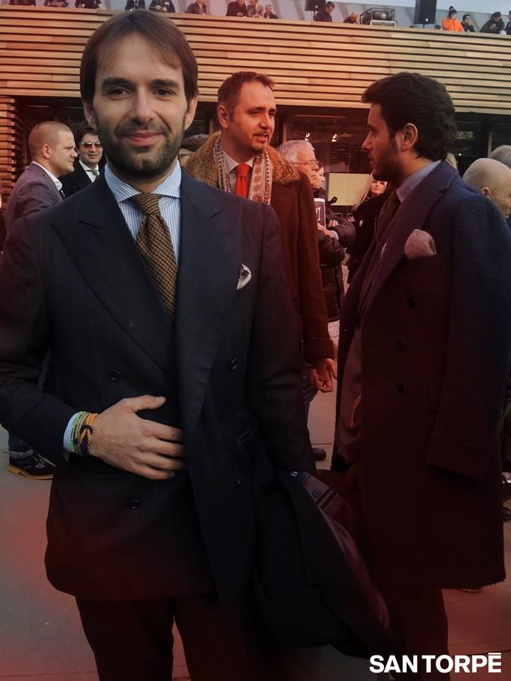 The Tailor Gennaro Santillo is wearing the stylish SAN TORPE Bracelets together with his cufflinks at PITTI. Shop them at WWW.FINAEST.COM | #finaest #santorpebracelet #santorpe #gennarosantillo pitti #pitti85 #details #style #dapper #menstyle #dandy