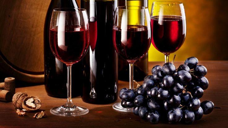 El alcohol es un tóxico para nuestro cuerpo. Si lo consumimos esporádicamente y en pequeñas dosis, tendrá unos efectos reversibles. Pero un exceso de su consumo puede traer varias consecuencias para nuestra salud. Tomar una copa de vez en cuando no causa grandes daños en nuestro cuerpo. Y toda...