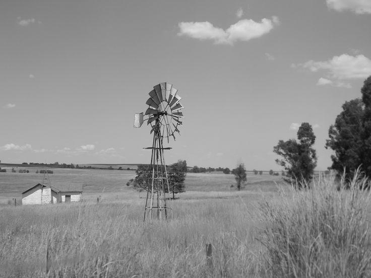Kruispad Kerkie met windpomp