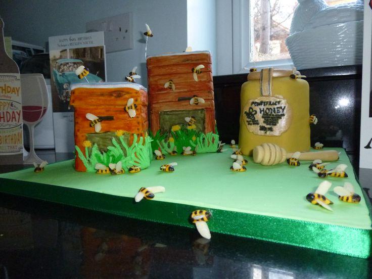 Beekeeper cake