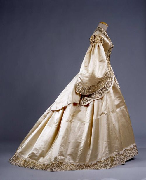 Wedding dress ca. 1862 From the Galleria del Costume di Palazzo...