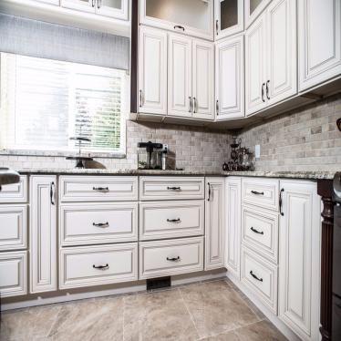 Best Charleston Linen Antique White Kitchen Cabinets Antique 400 x 300