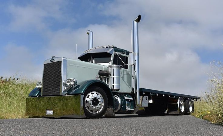 Narrow Nose Peterbilt 358 3 Axle Truck