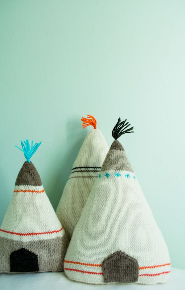 tipi pillows