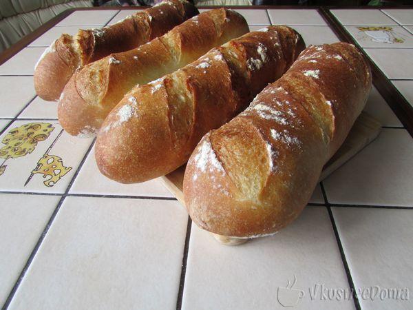 Рецепт домашнего хлеба в форме свертка или рулета для любителей выпечки типа французского багета. Домашний хлеб в духовке с оливковым маслом