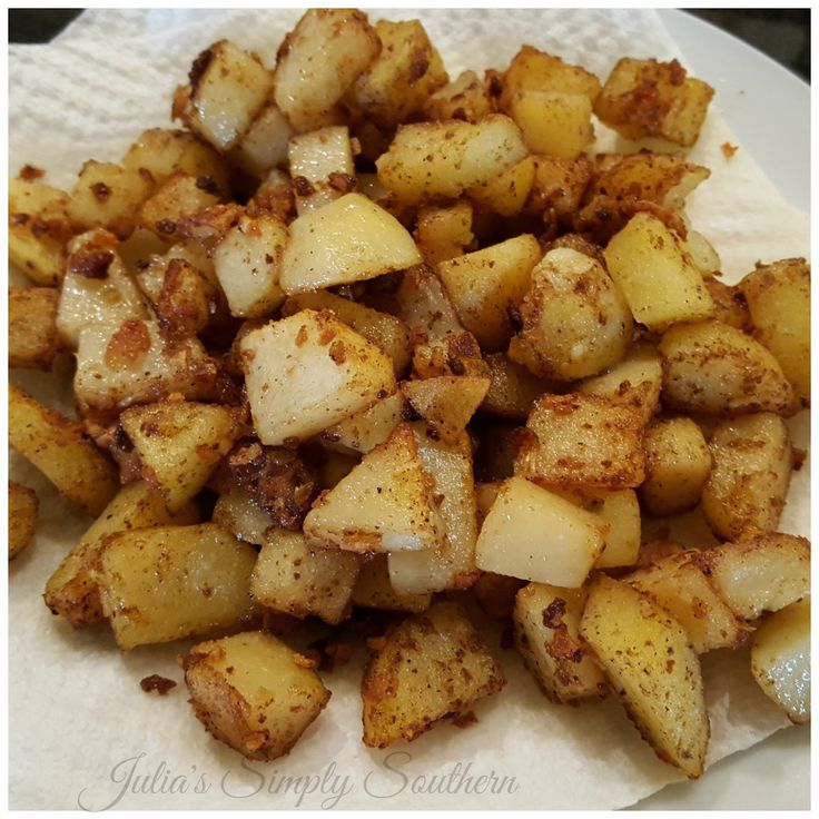 Pan Fried Potatoes, Skillet, Southern Fried Potatoes, Country Potatoes, Home Fries, Southern Cooking, Cast Iron Cooking, Side Dish, Breakfast