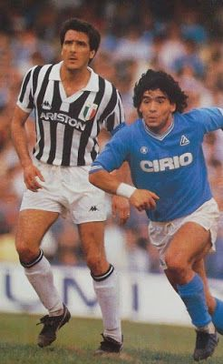 Napoli 0 Juventus 0 in Feb 1985 at Stadio San Paolo. Diego Maradona is marked by Gaetano Scirea in this Serie A clash.