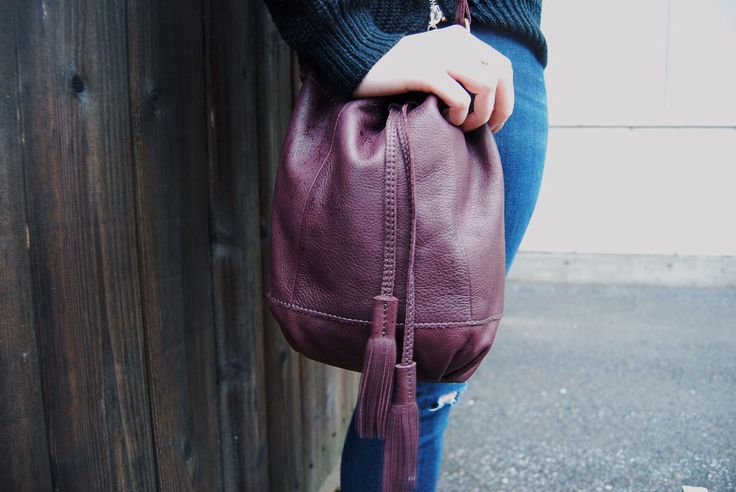 We must admit, we are kind of obsessing over this #gorgeous #merlot colour this season! This deep purple #LuckyBrand bucket bag is such a stunning piece to add a pop of colour to your outfit, and such a #luxurious shade to rock this fall! Find it for only $25 at #PlatosClosetBarrhaven! #LoveIt #LuckyYou | www.platosclosetbarrhaven.com