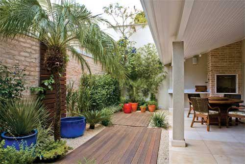 A Decoração de Jardim externo pode ser feita com muita praticidade, algumas sugestões e modelos podem inspirar você parar realização desse trabalho.