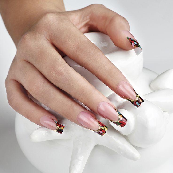 #Laif e Sergey Lavrukhin hanno realizzato questa splendida #nailart ispirandosi alle tele di #Kandinskij #nail #unghie #nailart #summer #painture #art #polish #manicure
