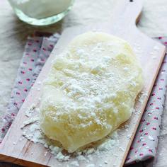 Découvrez la recette Pâte à mochi (la recette de base) sur cuisineactuelle.fr.