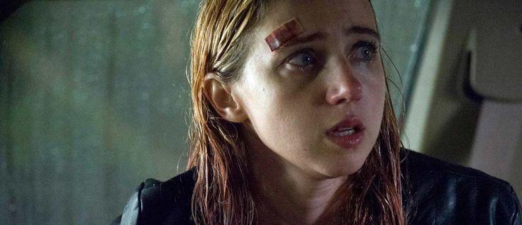 Zoe Kazan face à l'horreur dans la bande-annonce The Monster via @Cineseries