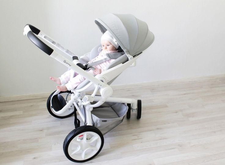 Ein echt schicker #Kinderwagen, der #Quinny Moodd, oder? Bloggerin Janina hat ihn mit Töchterchen Amelie getestet #testbericht
