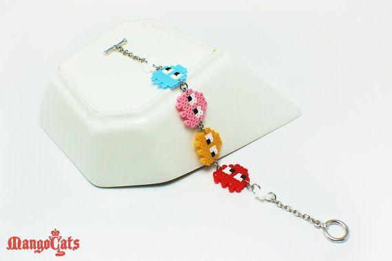Etsy su https://www.etsy.com/it/listing/153803725/braccialetto-di-fantasmi-di-pacman-fatto