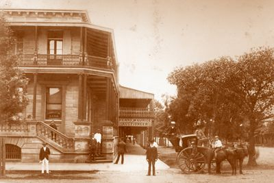 The first bank in Grafton was the Australian Joint Stock Bank, followed by the Bank of N.S.W. and later by the Commercial Banking Company of Sydney which set up its banking chamber in the Lion Hotel (now site of Commonwealth Bank), in 1874.