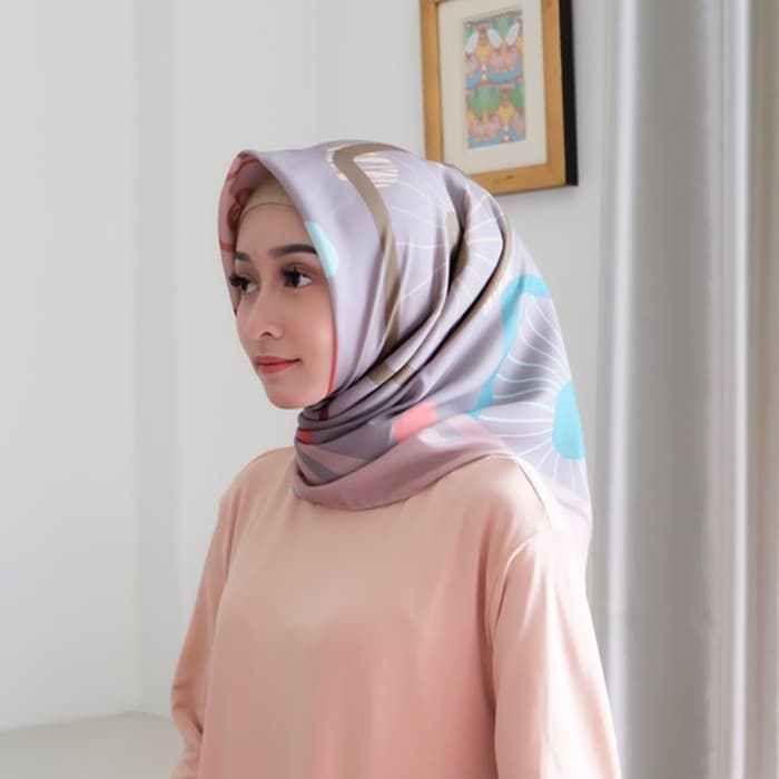 Tutorial Hijab Segi Empat Corak Gaya Hijab Selebriti Dada