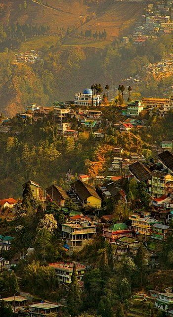 Darjeeling. Explore Eastern India with us! http://www.kennethphotography.com/india