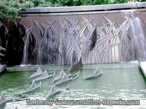 Ciekawa kombinacja fontann wodnych