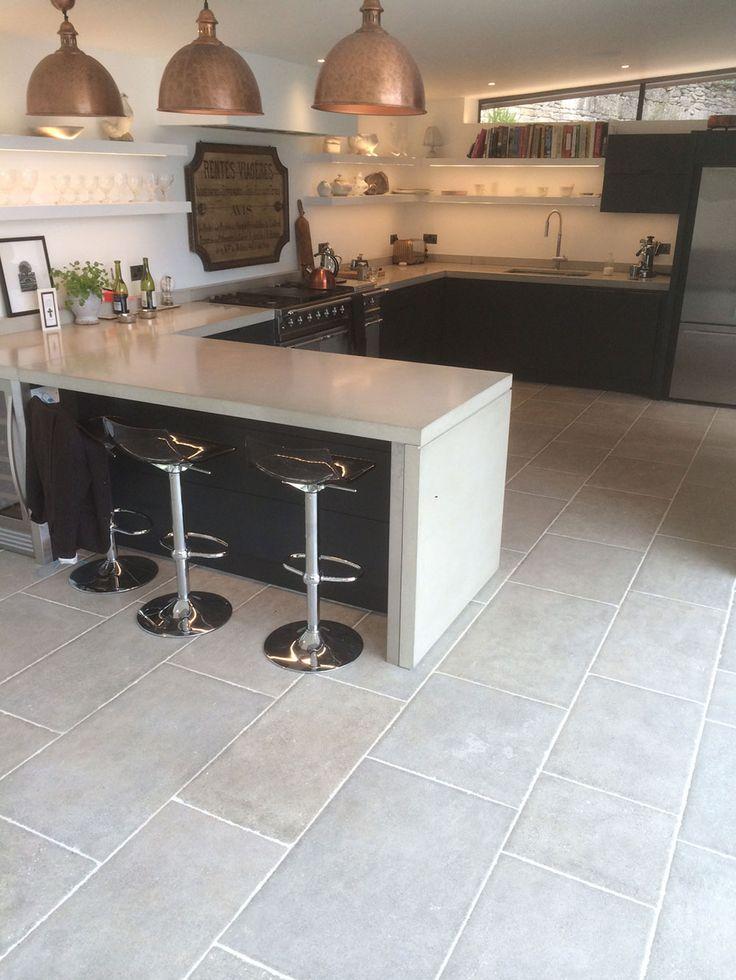 Best 25+ Flagstone flooring ideas on Pinterest   Stone ...