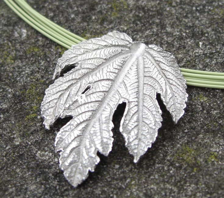 FREE tutorial - How to make a fine silver leaf using Art Clay Silver Paste.