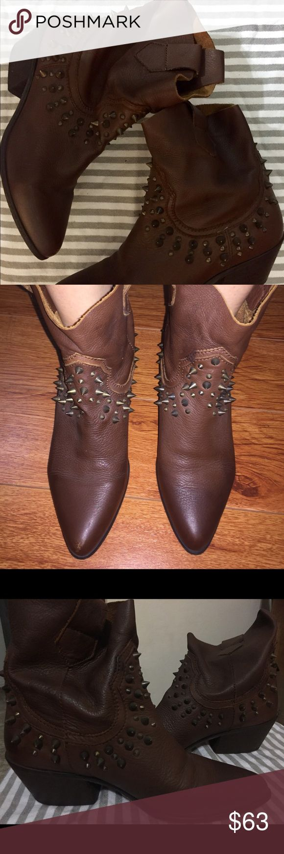 Western Leather Ankle Boots Cute Zara brown leather western boots with studs. Super comfortable, lightly worn, and in need of a new home 🏡 Zara Shoes Ankle Boots & Booties