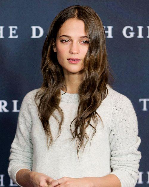 アリシアヴィキャンデル 髪 に対する画像結果