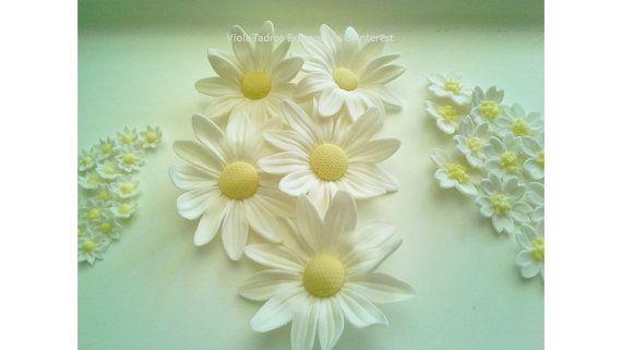 Sugar Flowers Gumpaste Fondant Daisy Wedding, Christening, White,Yellow Edible Little Daisy style  Flowers Australia