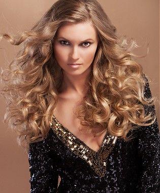 Peinados a la Moda: Pelo rubio rizado largo - 2013