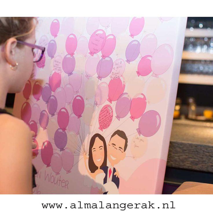 Op zoek naar een alternatief voor een gastenboek, laat de cartoon van de trouwkaart door mij op canvas afdrukken  #alternatief #gastenboek #canvasdoek #cartoon #ballonnen #wens #canvas